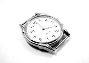 Quartz_watch_ubt_EXP_123